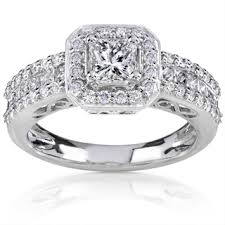 some used engagement rings online
