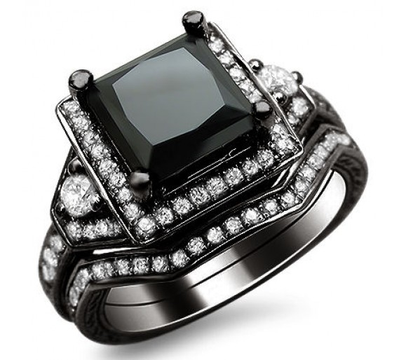 Colored Diamond Engagement Rings At A Glance