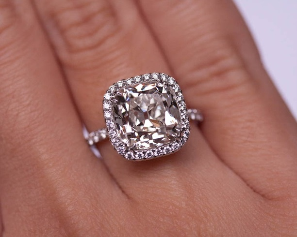 Know More About What Is A Cushion Cut Diamond